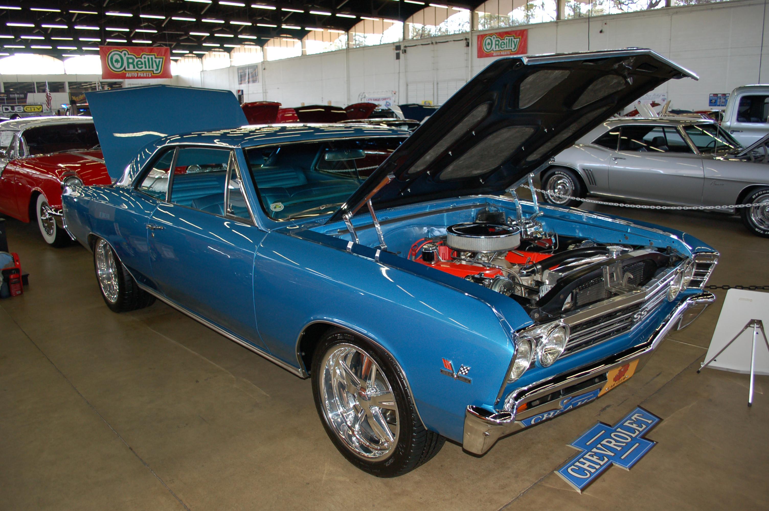Dallas-AutoRama-Chevy-Chevelle