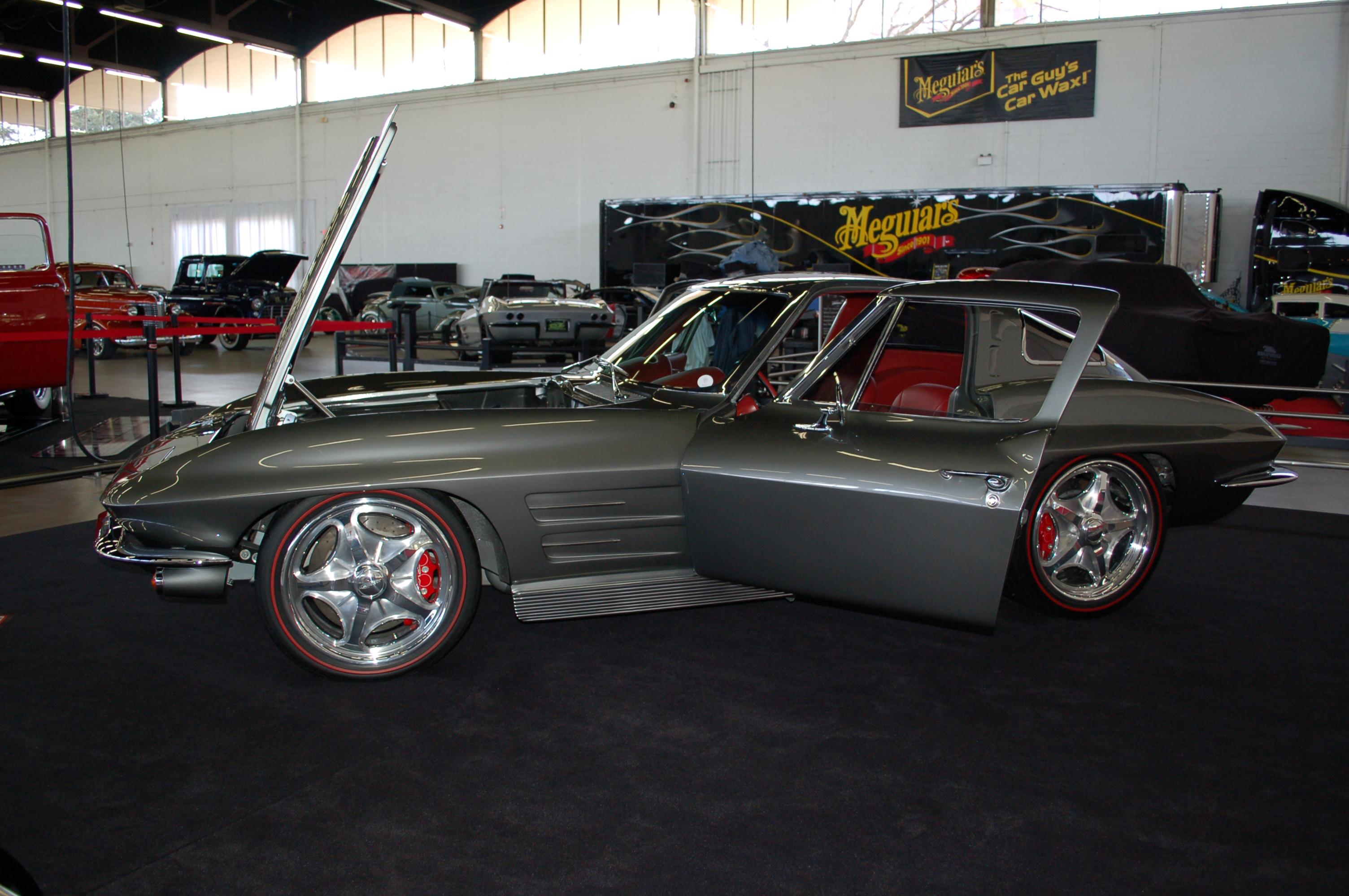 Dallas-AutoRama-Custom-C2-Corvette