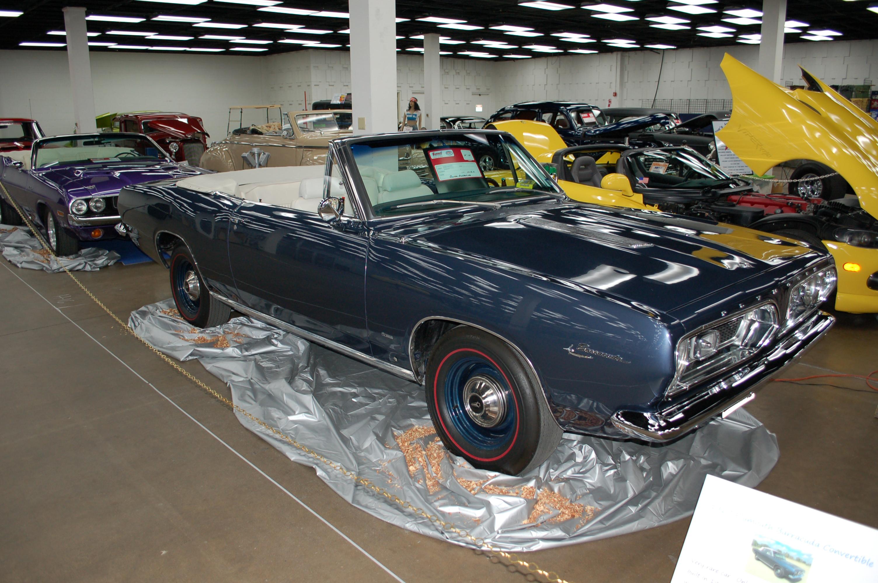 Dallas-AutoRama-Plymouth-Barracuda