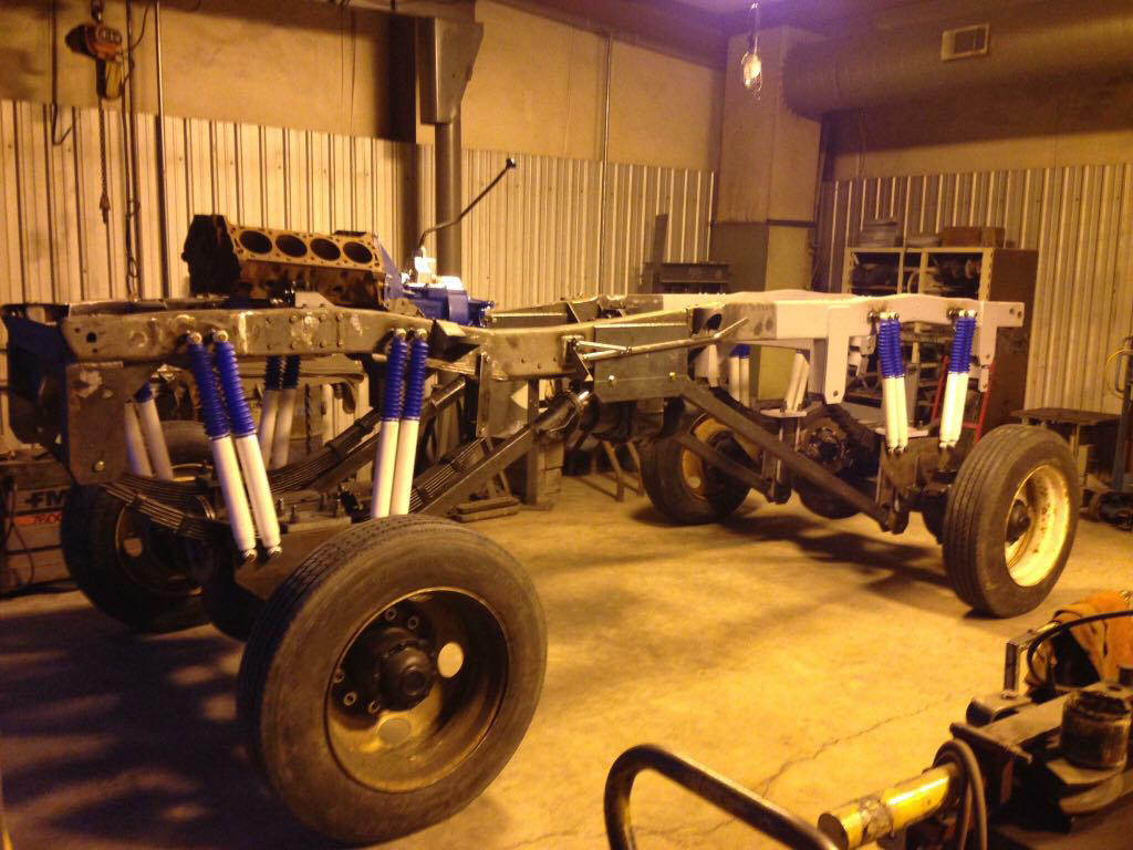 Ford-F-350-Monster-Truck-chassis