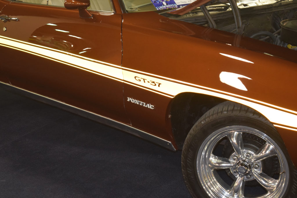 1971-Pontiac-GT-37-Badge