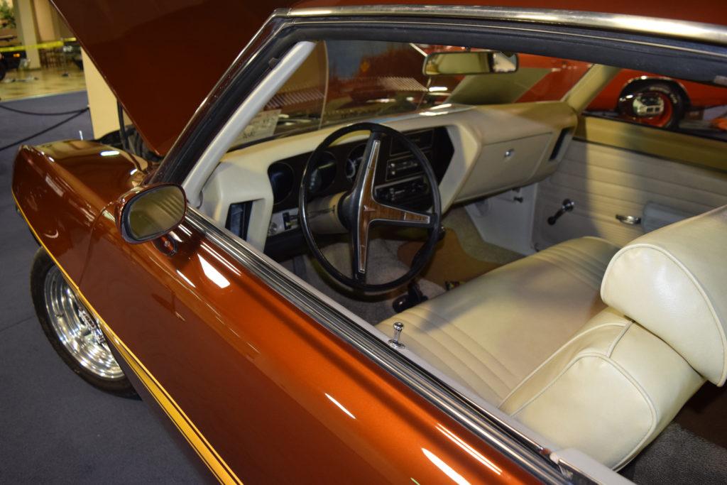 1971-Pontiac-GT-37-Interior