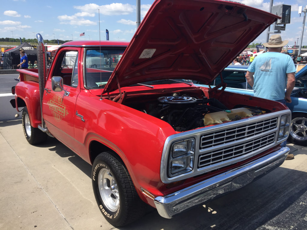 Atlanta-Motorama-Dodge-Little-Red-Express
