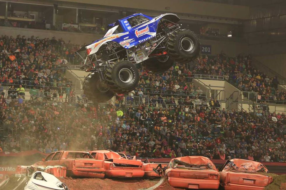 BIGFOOT-4x4-flying-over-cars
