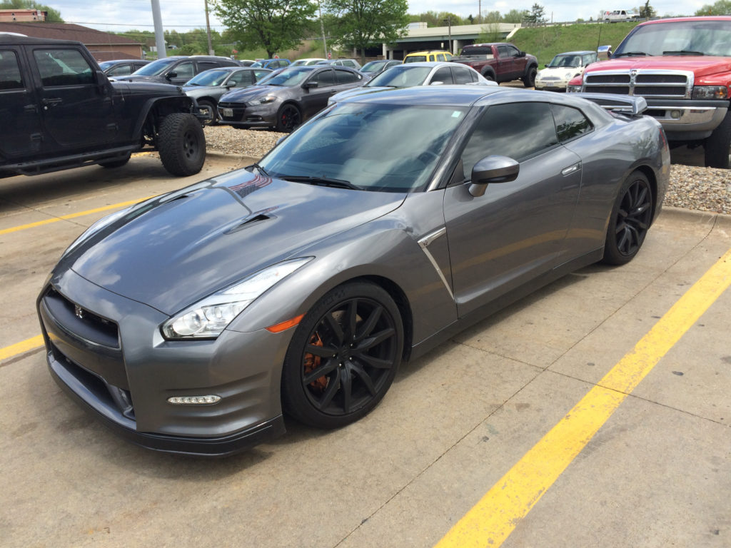 Nissan-GTR-Front-Driver-Side
