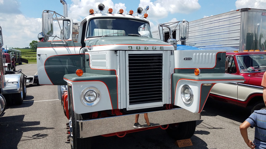 Vintage-Dodge-Semi