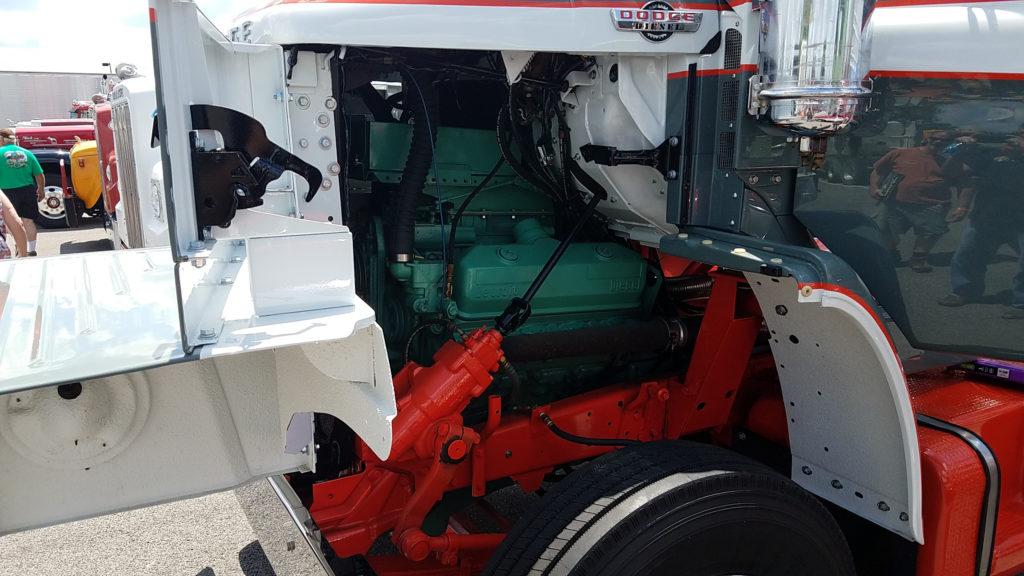 Vintage-Detroit-Diesel-engine