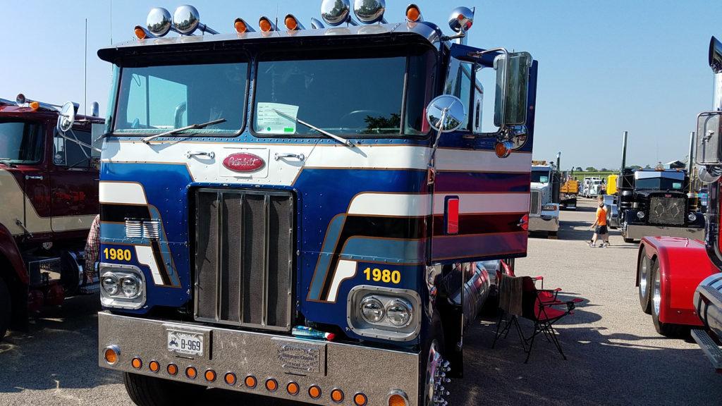 classic-peterbilt-coe-truck