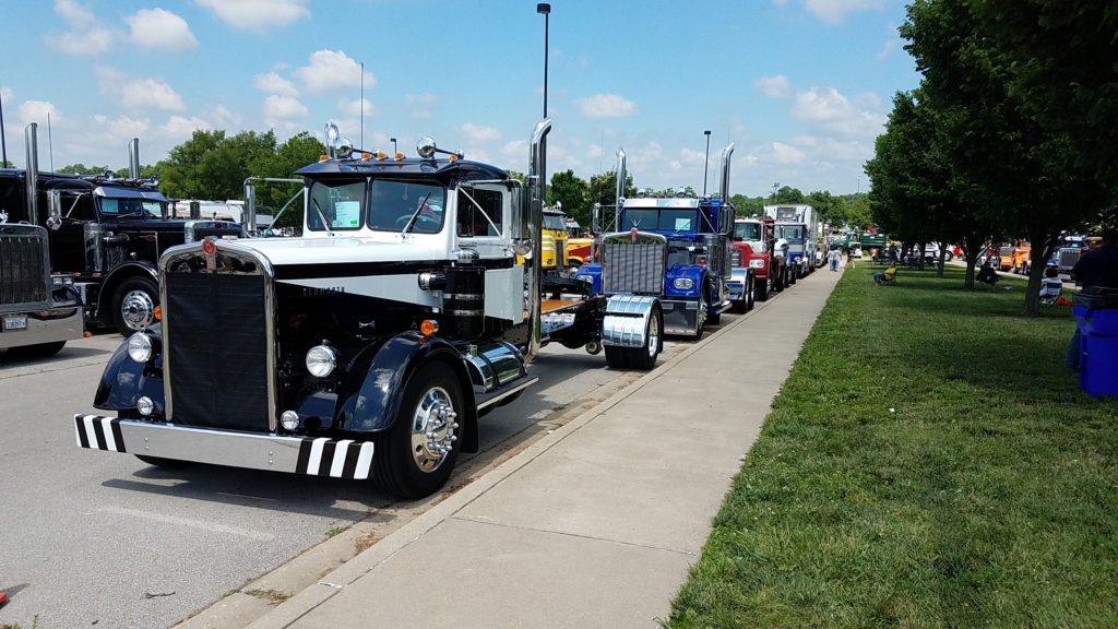 line-of-vintage-commercial-semi-trucks