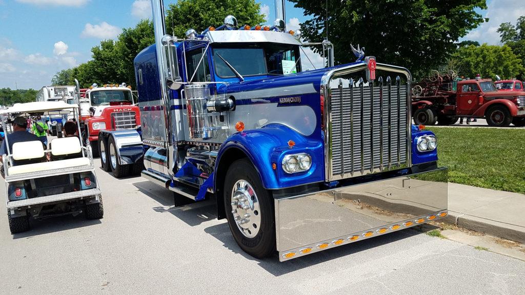 vintage-kenworth-semi-truck