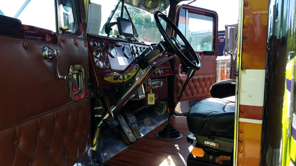 vintage-semi-truck-interior