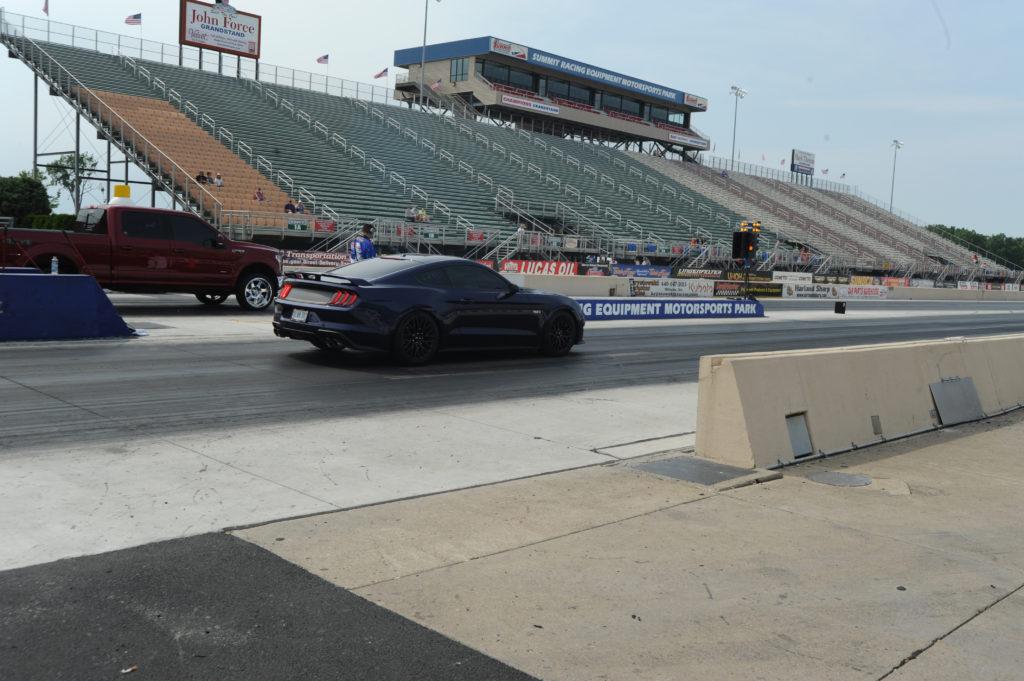 Mustang-On-Drag-Strip