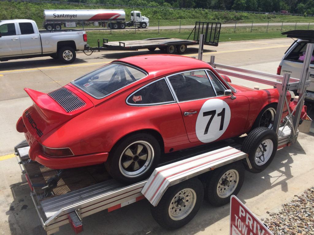 lot shots find of the week 1971 porsche 911 track car onallcylinders. Black Bedroom Furniture Sets. Home Design Ideas