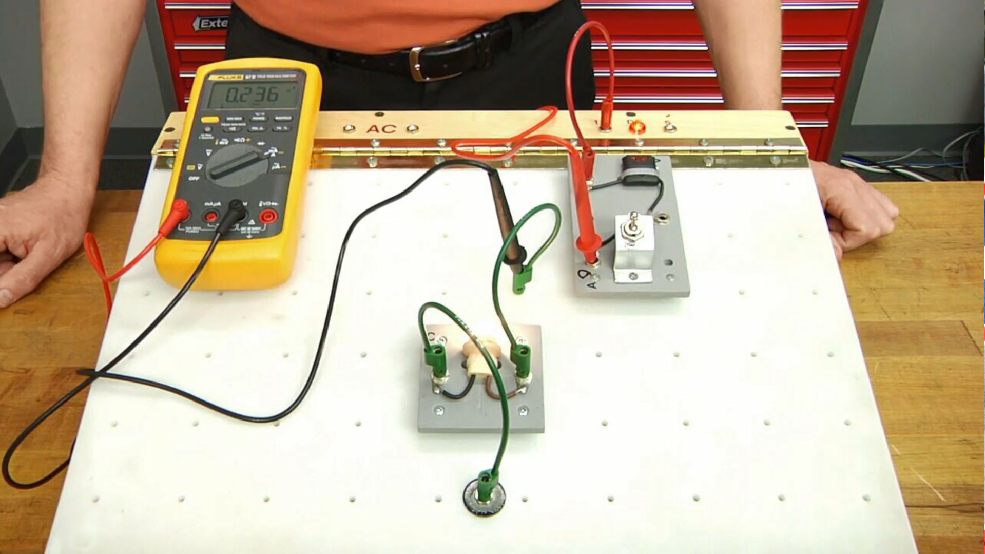 Video: How to Use a Multimeter to Measure Electrical Current ...