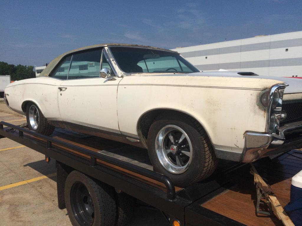 1967-Pontiac-GTO-on-Flatbed-Side