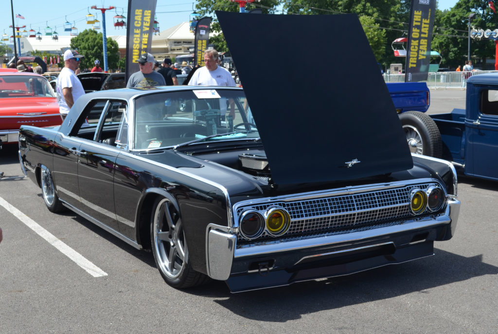 Lincoln-Continental-Custom