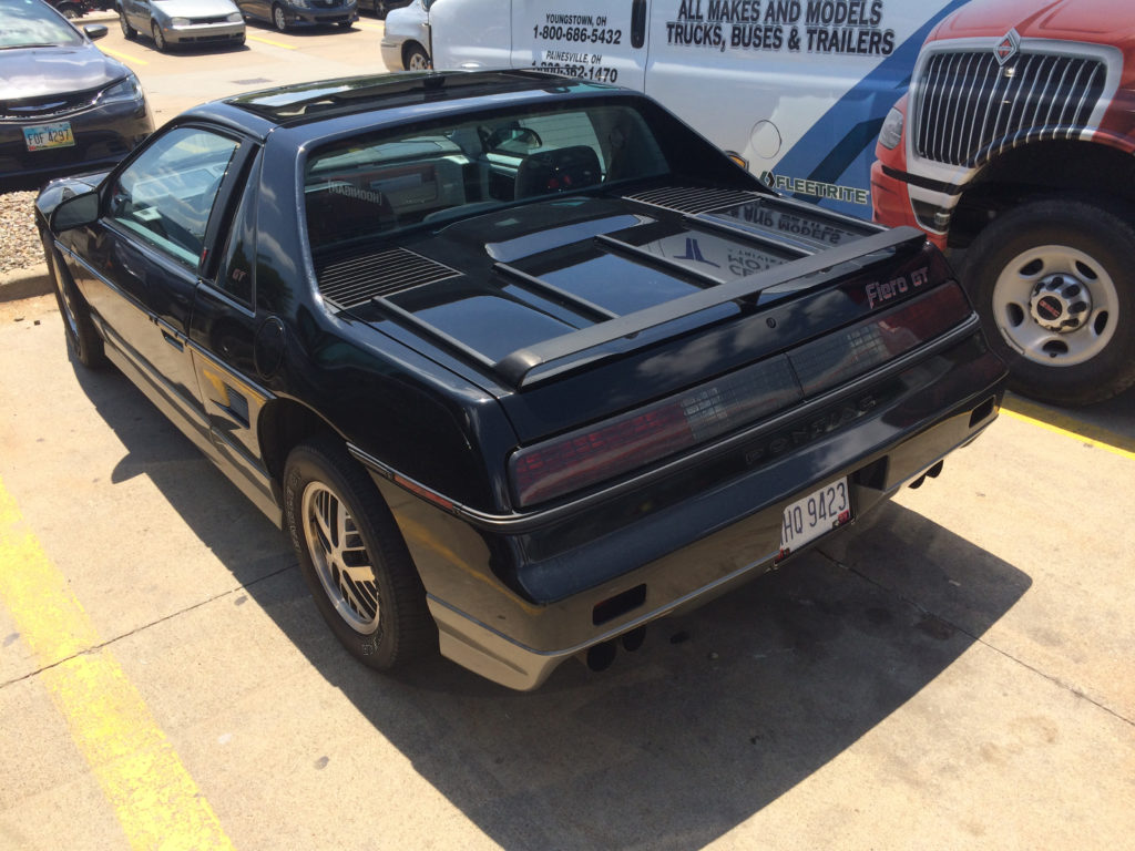 1985-Pontiac-Fiero-Lot-Shot-Luggage-Rack