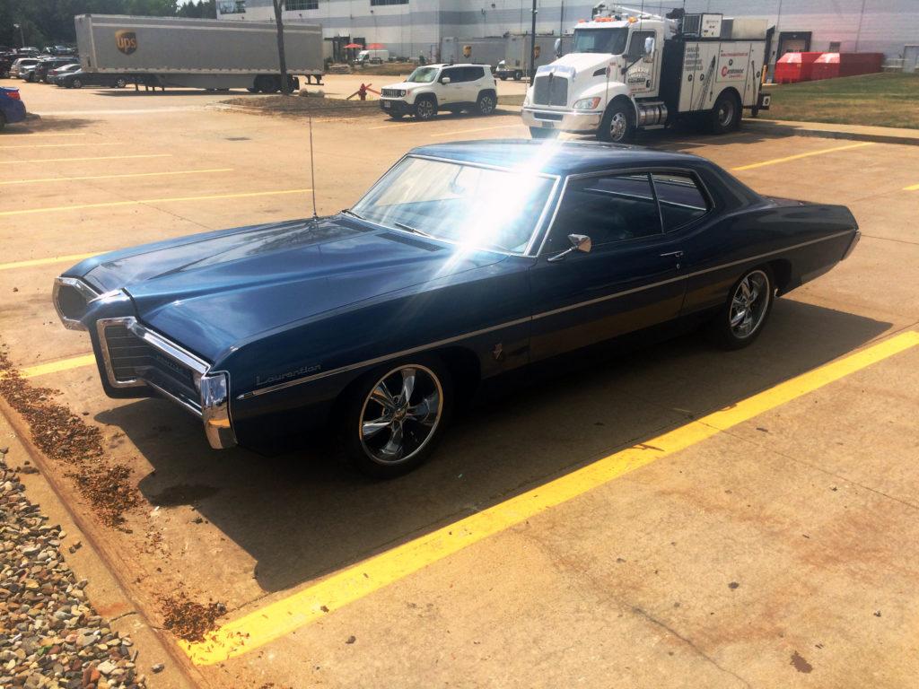 1969-Pontiac-Laurentian-Blue-Front-Driver-Side-with-Lens-Flare
