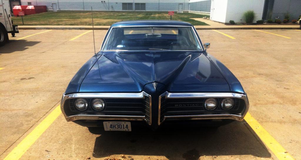 1969-Pontiac-Laurentian-Blue-Front-Grille-and-Emblem