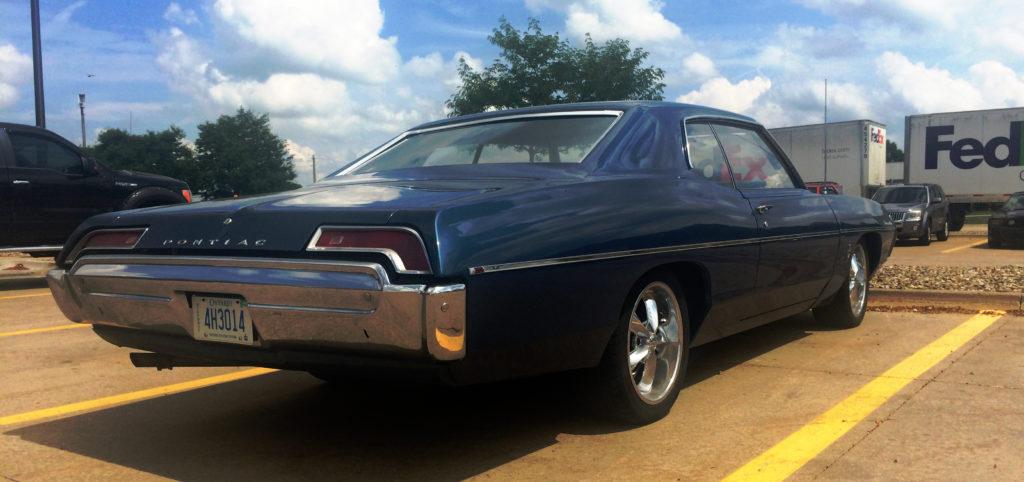 1969-Pontiac-Laurentian-Blue-rear-bumper