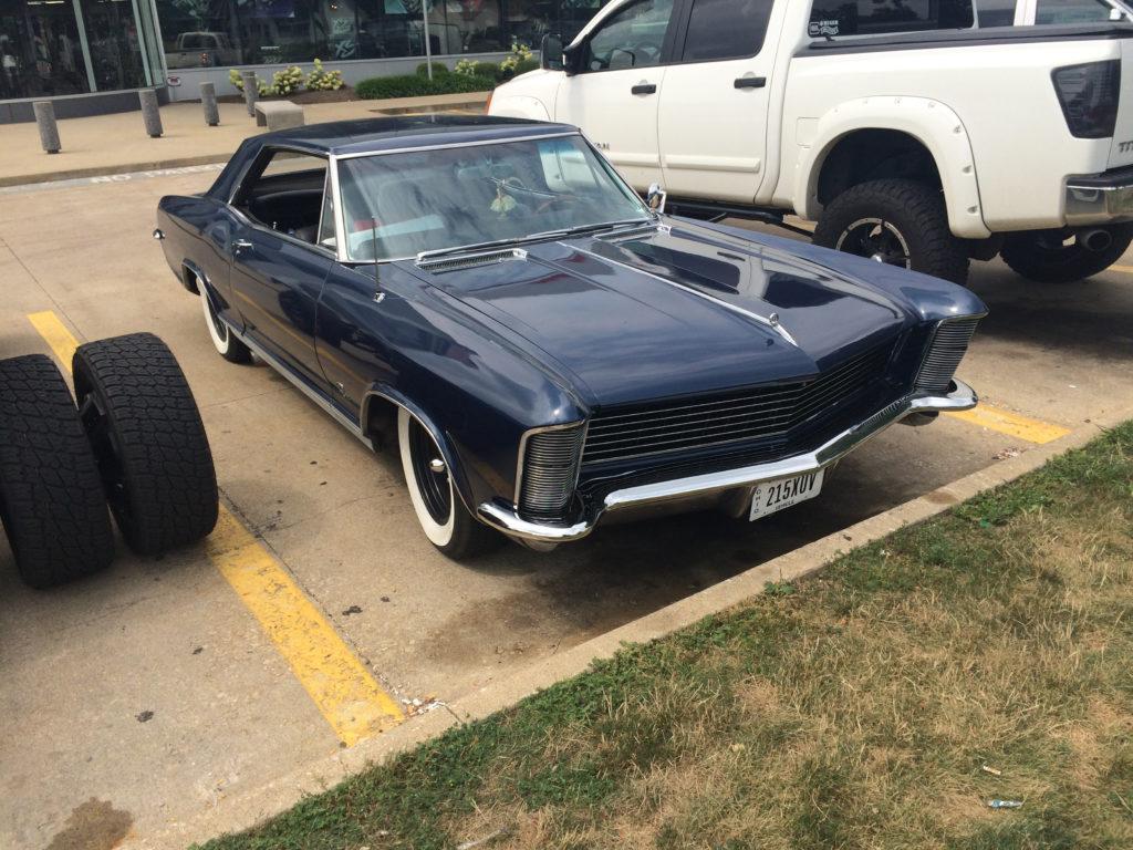 1965-Buick-Riviera,-Dark-Blue-Front-Passenger-Side