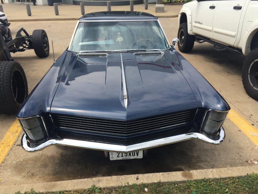 1965-Buick-Riviera,-Dark-Blue-Grille