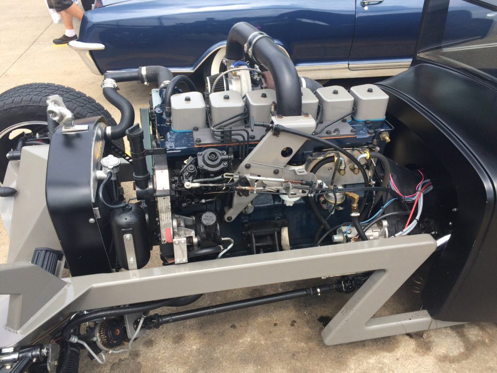 Cummins-Diesel-Hot-Rod-IEngine-Top-View