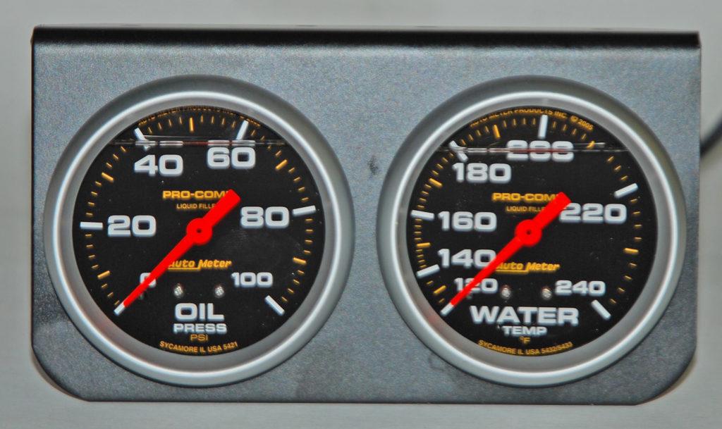 Guage-2-water-temp-oil-pressure-pro-comp-auto-meter-front