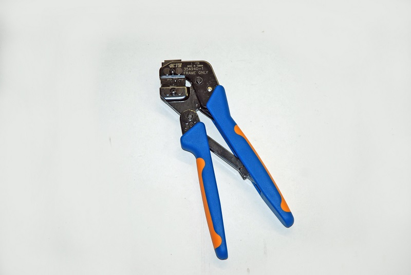 Holley crimping tool for EFI connector pins
