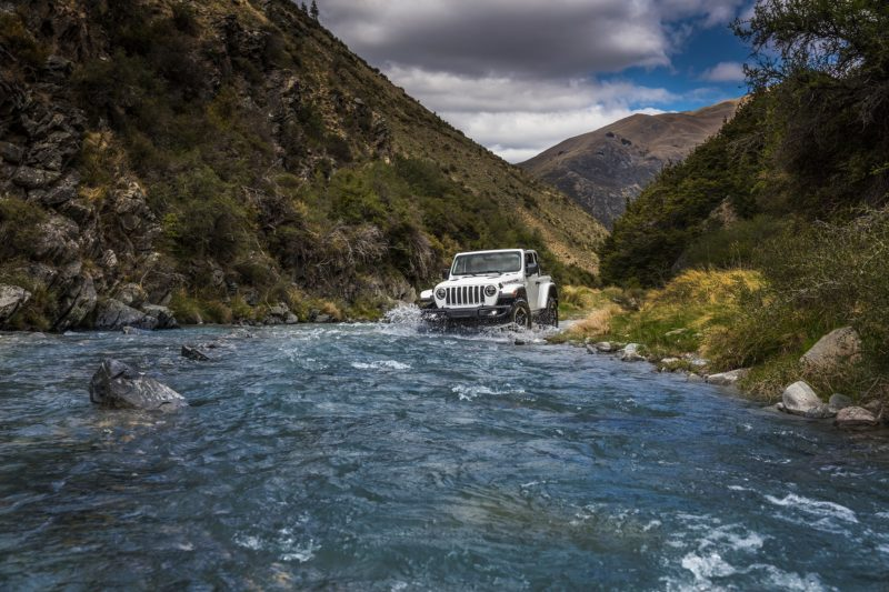 2018 Jeep Wrangler Moab - water crossing